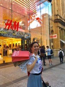 日本でもおなじみのH&Mもあります