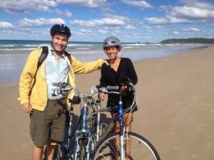 ビーチを自転車で走る姿もよくみかけます