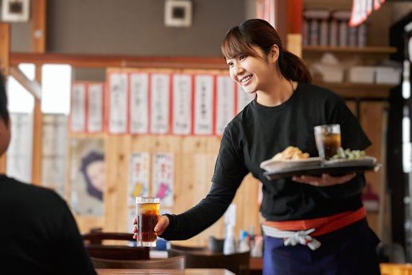 居酒屋のような雰囲気の日本食レストラン