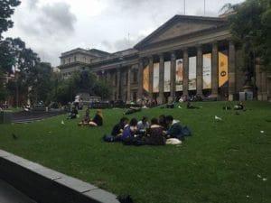 美しすぎる、で有名なビクトリア州立図書館。まるで美術館のような造形