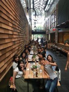 メルボルンに留学中のお客様たちが大集合!女性の留学がしやすい街です。