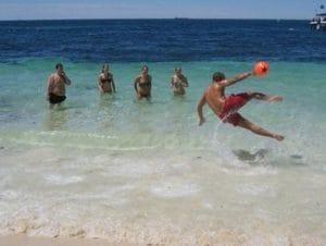 インド洋で泳げるのはパースだけ