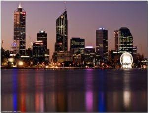 川沿いの夜景はとてもきれいです