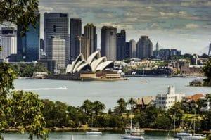 シドニーでは外せない観光スポットで2007年に世界遺産として登録されたオペラハウス