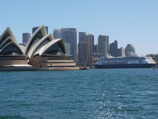 シドニーでは外せない観光スポットで2007年に世界遺産として登録されたオペラハウス。