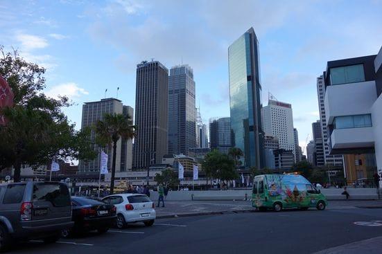 大都会だけど、どこか南国の雰囲気もあるのがシドニー。