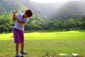 日本では敷居が高くても、気軽にゴルフデビューできるのがケアンズのいいところ