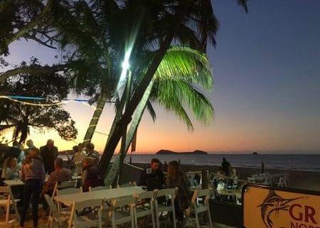 ケアンズのビーチレストランは最高にロマンティック!