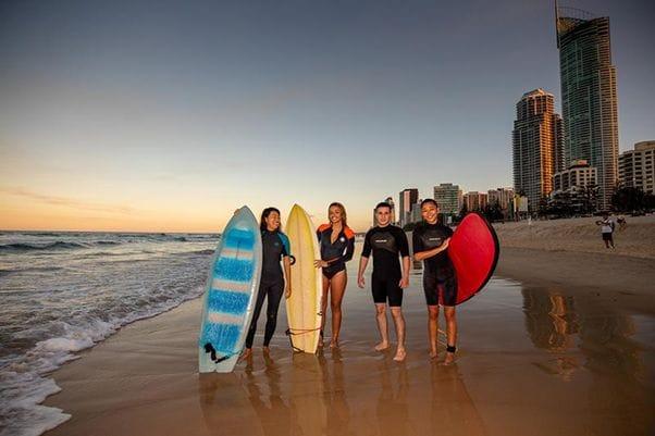 ゴールドコーストキャンパスで最も人気の高いアクティビティはサーフィン
