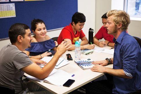 多国籍の学生との授業。