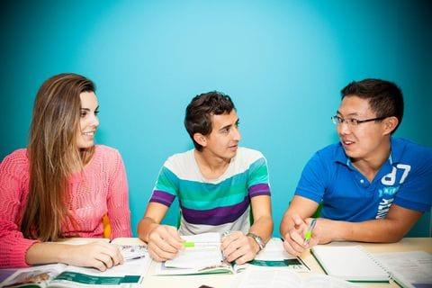 ラングポーツ校の授業の質を徹底的に追及したプログラムは留学生からの満足度が非常に高いと評判