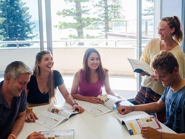 レクシスシドニーキャンパスは、スタッフも先生もフレンドリーでリラックスした雰囲気が特徴です。