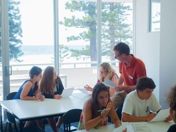 レクシスでは、午後は選択授業となっており、苦手な科目を選択して弱点を克服します