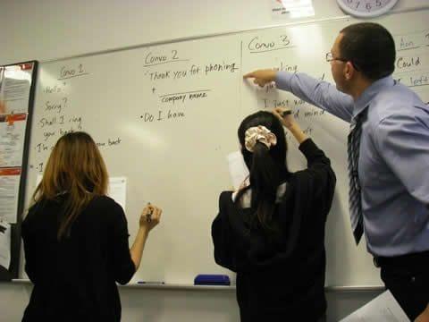 ナビタスでは、実用的な英語を学ぶことが出来ます