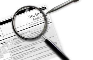 COEと呼ばれる入学許可証