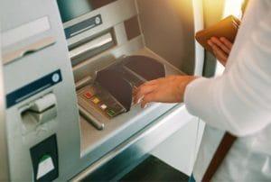 銀行によって解約方法が違う?