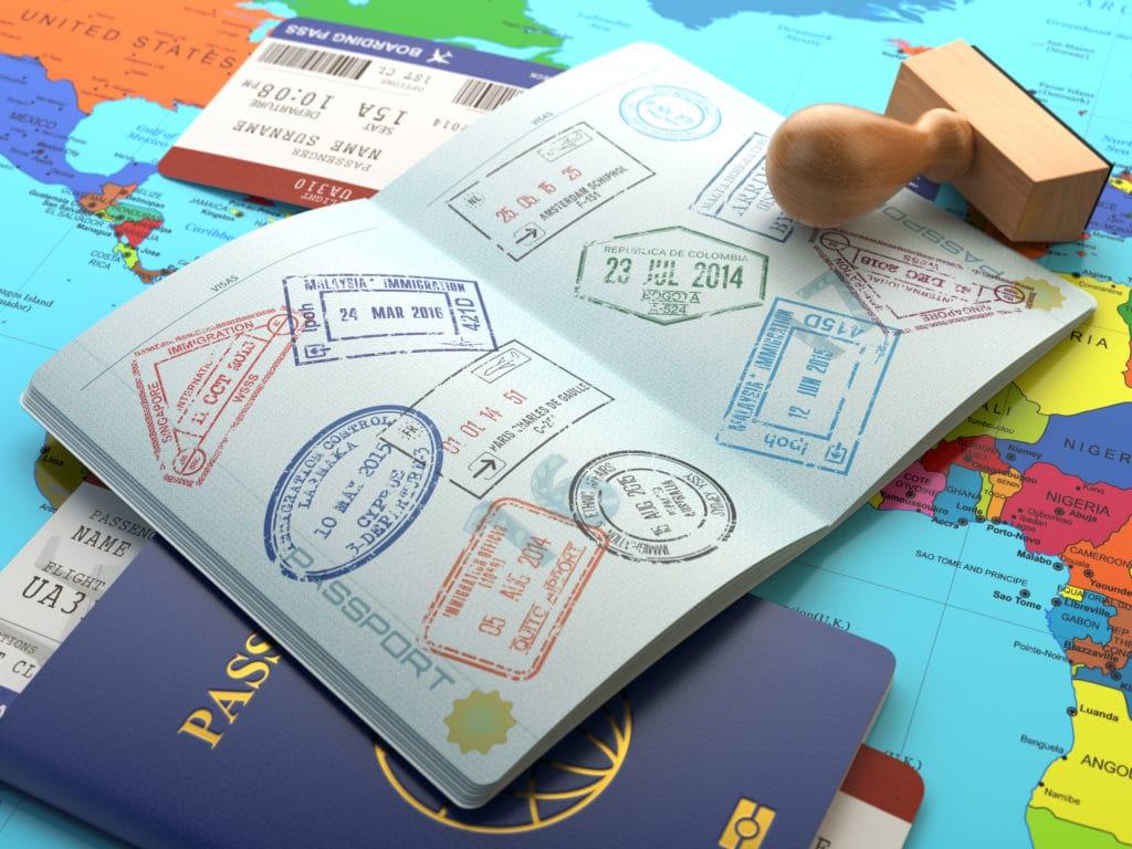 パスポートってどう申請するの?