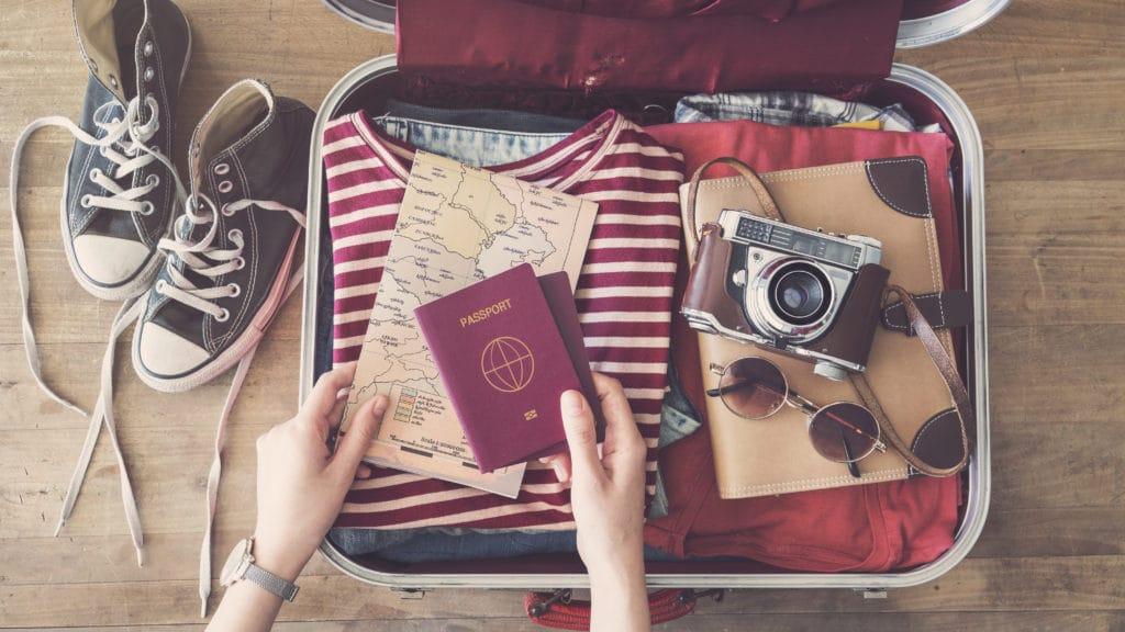 パスポートっていくらかかるの?