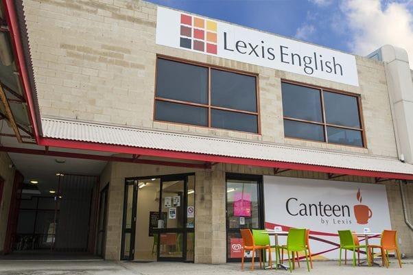レクシス・パース校は、小規模でアットホームな学校です。