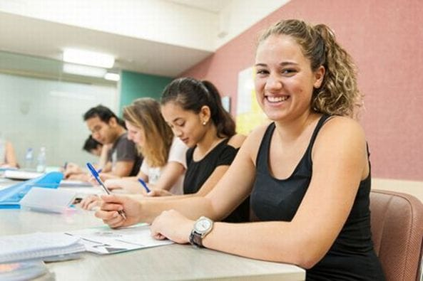 ミルナーカレッジは他校に比べ授業時間が多い