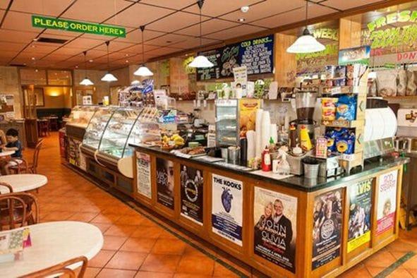ミルナーのキャンパス内の本格的なカフェ