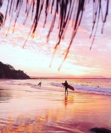 サーフィンでも有名な土地です
