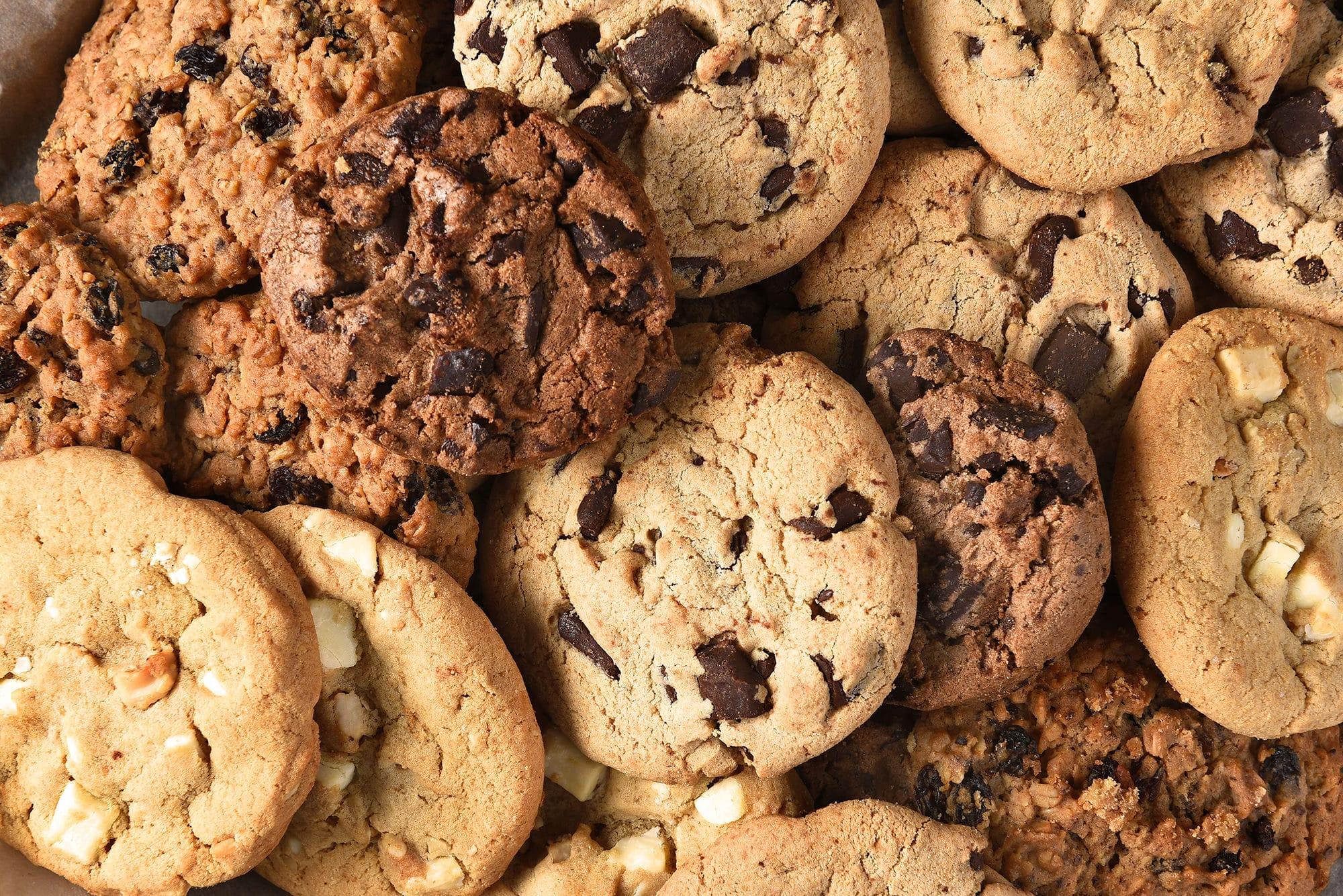 クッキーやチョコレートに注意