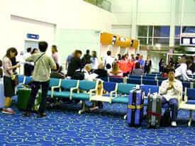 空港送迎の様子、待合室